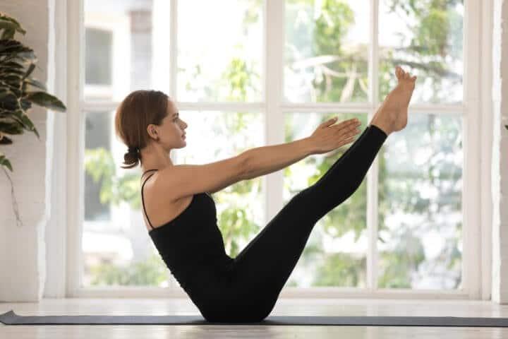 Navasana yoga